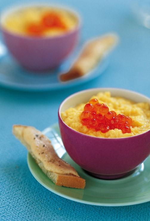 Αβγά μπρουγιέ με μπρικ  8 αβγά  20-25 γραμμ. μπρικ  40 γραμμ. βούτυρο  2/3 του ποτηριού γάλα  2 κ.σ. κρέμα γάλακτος  αλάτι, πιπέρι
