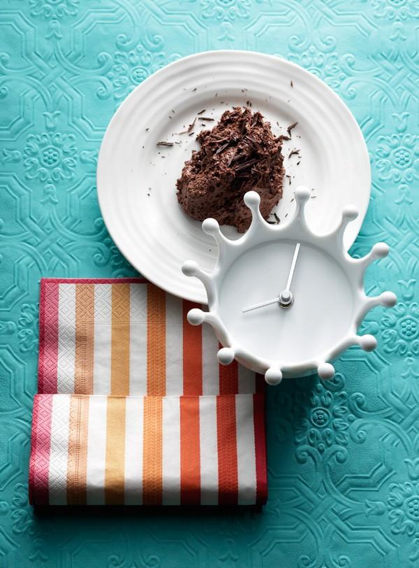 Μους σοκολάτα 12 αυγά 250 γραμμ. κουβερτούρα 50 γραμμ. σοκολάτα γάλακτος
