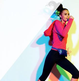 """Μιράντα Κερ: πως γυμνάζει τις καμπύλες της  Θα την δούμε το επόμενο μήνα στην πασαρέλα να φορά τον πλέον πολύτιμο διαμαντένιο σουτιέν της """"Victoria's Secret"""" που κοστίζει περί τα 2.5 εκατομμύρια δολάρια."""