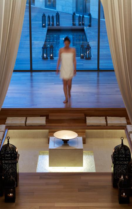 Anazoe Spa Το Anazoe Spa, έκτασης 4.000 τ.μ., προσφέρει στους επισκέπτες του έναν εξωτικό συνδυασμό μεθόδων ειδικής περιποίησης, εμπνευσμένο από την αρχαία Ελλάδα. Φυσικά και αναζωογονητικά συστατικά της περιοχής, αλλά και προϊόντα από όλο τον κόσμο, εφαρμόζονται άψογα στο σώμα και στην ψυχή σας. Και όλα αυτά υπό τους ήχους χαλαρωτικής μουσικής. Μιλάμε για άλλη φάση… Navarino […]