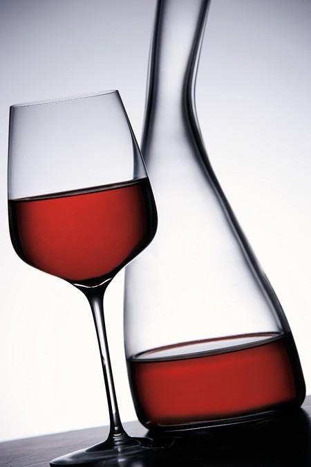 Blog Gourmet News: Wine Club Thessaloniki '96  Το Wine Club Thessaloniki '96, μια από τις παλαιότερες Λέσχες Φίλων του Κρασιού στη χώρα μας, ετοιμάζεται να διανύσει τη 17η χρονιά λειτουργίας του.
