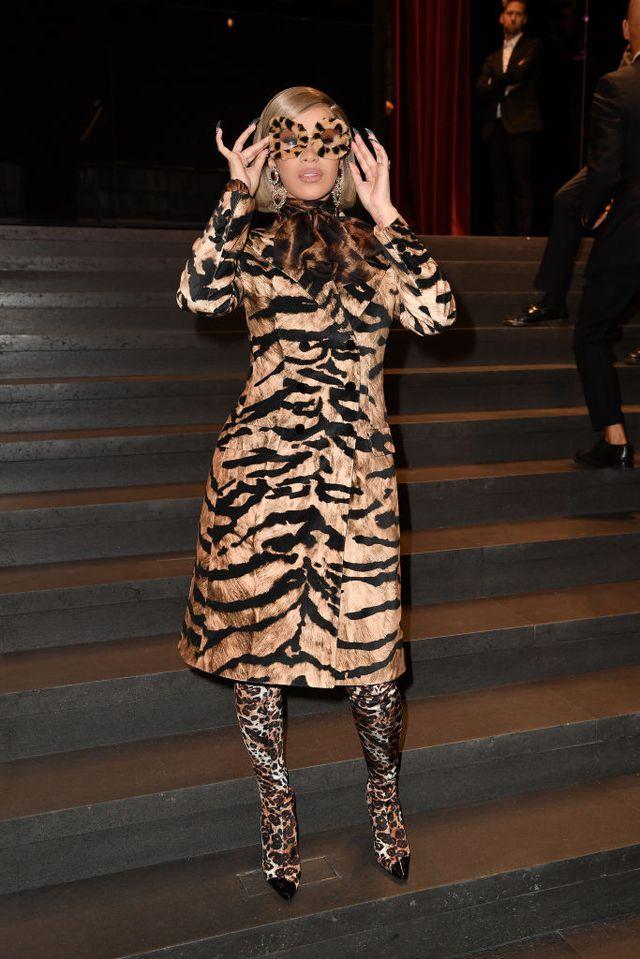 Η head-to-toe λεοπάρ εμφάνιση της Cardi-B στο show της Dolce & Gabbana Η πασίγνωστη ράπερ, χάρη στο εκκεντρικό outfit της,έκανε για ακόμα μια φορά τους πάντες να μιλούν για εκείνη.