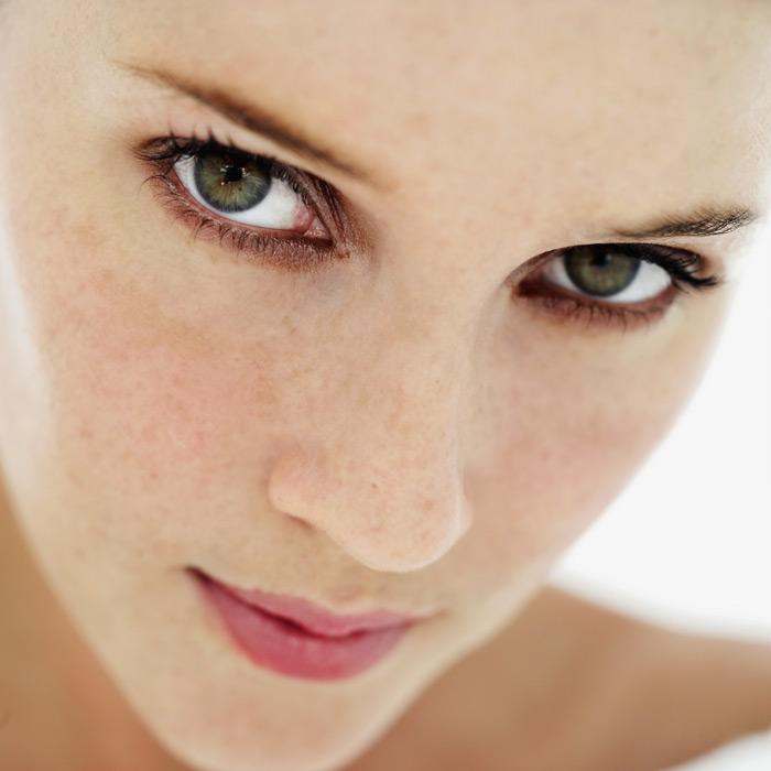 Έχω πανάδες. Τι κάνω;  «Είμαι 38 ετών και έχω εδώ και λίγα χρόνια 2 πανάδες στο πρόσωπο. Έχω κάνει θεραπεία με υδροκινόνη, αλλά οι πανάδες εμφανίζονται πάλι. Υπάρχει κάποια αποτελεσματική θεραπεία;» Κωνσταντίνα Στ., Αθήνα