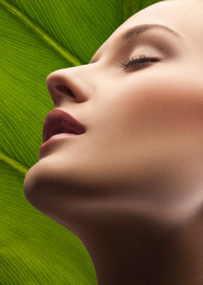 Αντιγήρανση στα 30;  «Ποια είναι η καλύτερη προληπτική θεραπεία προσώπου για μια γυναίκα γύρω στα 30;», Μαρία Π., Αθήνα.