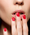 Tips για τέλειο μανικιούρ  Το σωστό μανικιούρ δεν θέλει κόπο, αλλά τρόπο! Όσο ενθουσιασμένη και αν είστε με τη νέα απόχρωση που μόλις επιλέξατε για τα νύχια σας, προσέξτε καιδώστε βάση στα παρακάτω σημεία.