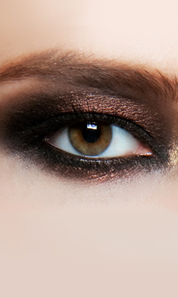 Smoky Eye μακιγιάζ  Ακολουθήστε step by step συμβουλές για να γίνετε «master» του smoky eye μακιγιάζ.