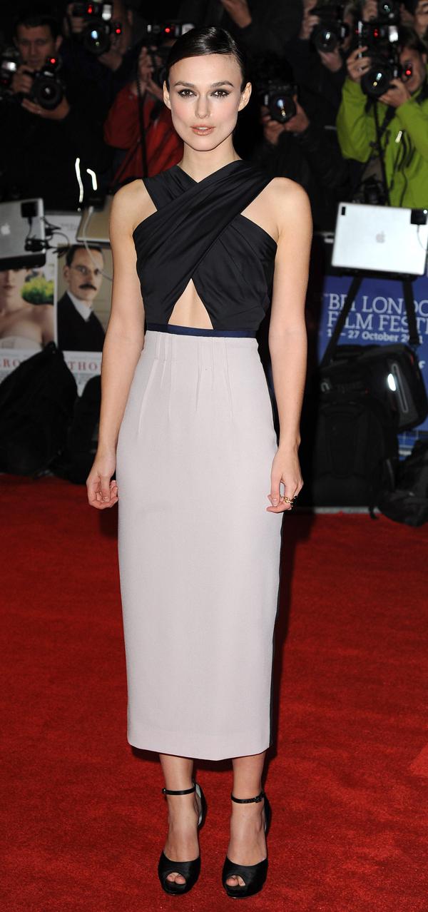 Κίρα Νάιτλι: Νιώθει άβολα με το σώμα της  Η Βρετανίδα ηθοποιός με τη skinny σιλουέτα αισθάνεται συχνά ότι δεν είναι ελκυστική, ενώ όπως δήλωσε, διστάζει να εμφανιστεί με μαγιό.
