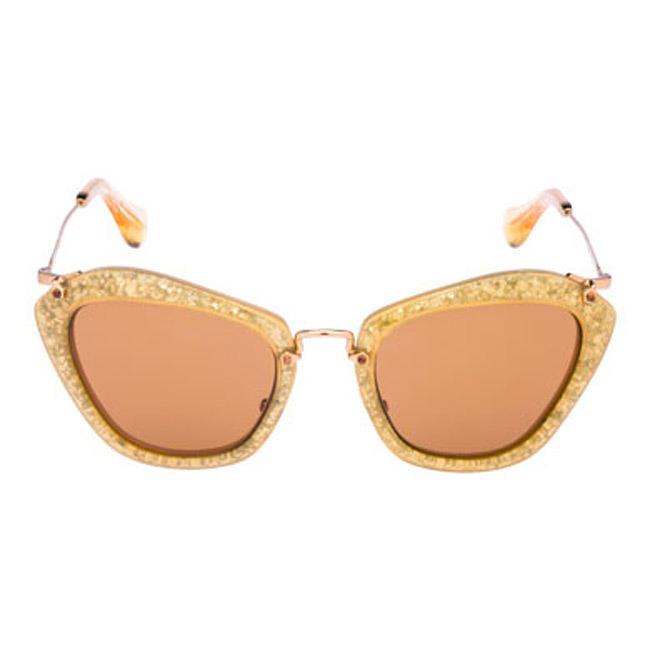 c77c88575f Τα γυαλιά της Miu Miu γεμίζουν γκλίτερ - ELLE