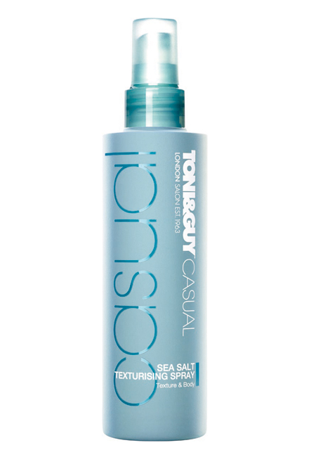 Σπρέι με αλατόνερο για beach look Sea Salt Texturising Spray των Toni   Guy  (στα Hondos Center). 9a9118da08c