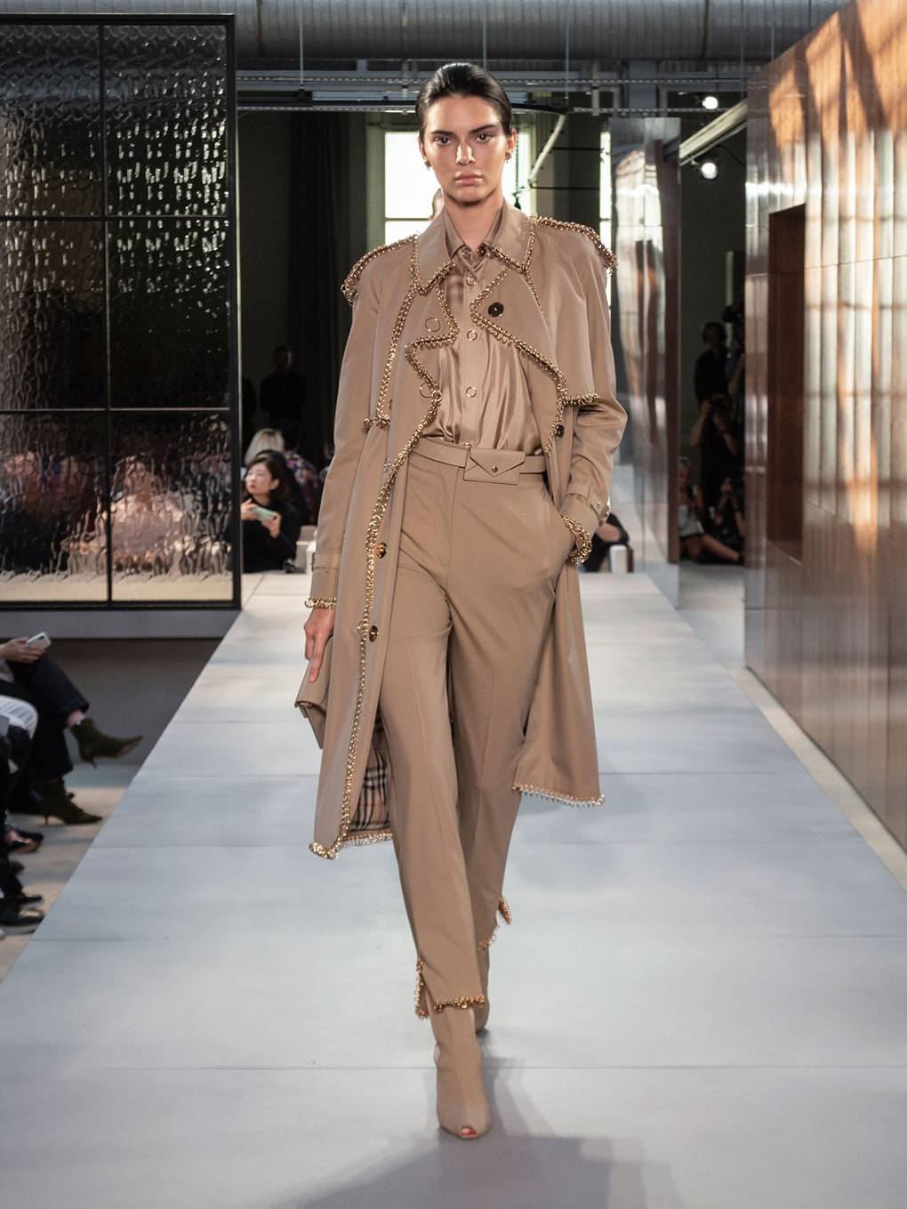 burberry-spring_summer-2019-collection-look-040.jpg (1020×1359)
