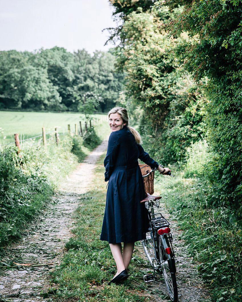 Marte Forsberg: Μια Νορβηγίδα φωτογράφος αποτυπώνει στις εικόνες της την μαγεία της αγγλικής εξοχής «Κοιτώντας το παρελθόν καταλήγω ότι αυτή ήταν η καλύτερη απόφαση που πήρα ποτέ. Βρήκα τι σημαίνει ζωή και δεν το αμφισβήτησα ποτέ».