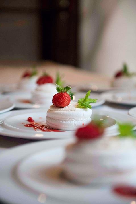 Ο γάμος σας θα αφήσει σε όλους την καλύτερη γεύση Όλα τα πιάτα της InterCatering ξεχωρίζουν για την εξαιρετική ποιότητα των υλικών, το άψογο food styling, το κομψό art de la table που κερδίζει τις εντυπώσεις.
