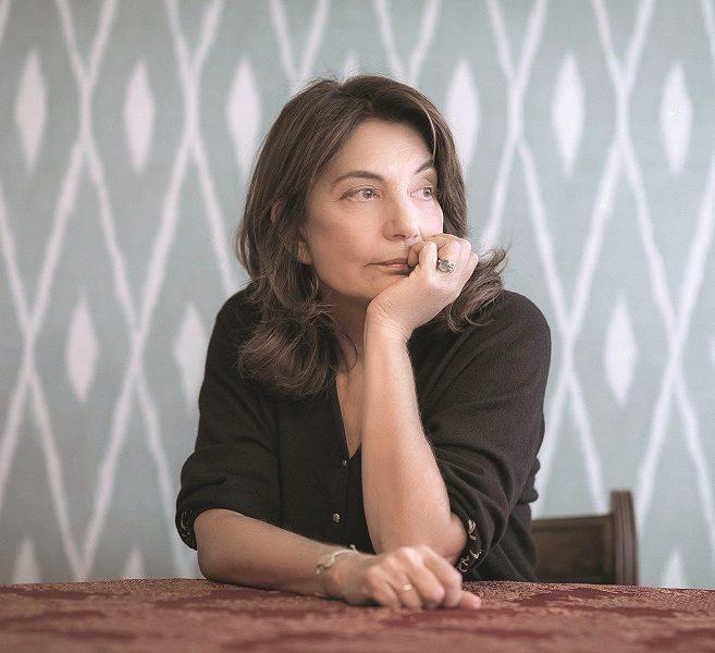 Όλια Λαζαρίδου: «Ακόμη και αν κερδίσεις αυτά που διεκδικούσες, κινδυνεύεις να παραμείνεις με τα χέρια αδειανά, αν δε πας παρακάτω» Η αγαπημένη μας ηθοποιός απαντά στο ερώτημα γιατί  #ΤοΜέλλονΕιναιΓυναίκα. Πρόκειται για ένα project του ELLE στο οποίο συμμετέχουν 41 προσωπικότητες και μιλούν για τα δικαιώματα και τη θέση των γυναικών στην Ελλάδα.