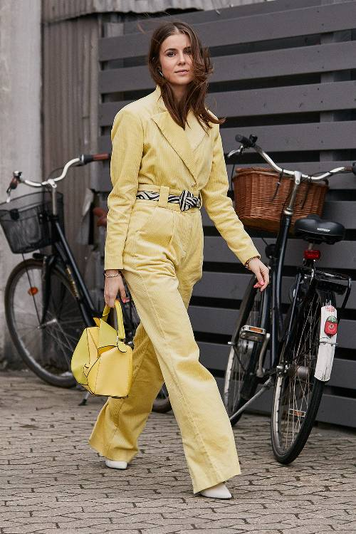 pale-yellow-fashion-trend-278112-1551705174559-image.500x0c.jpg (500×750)