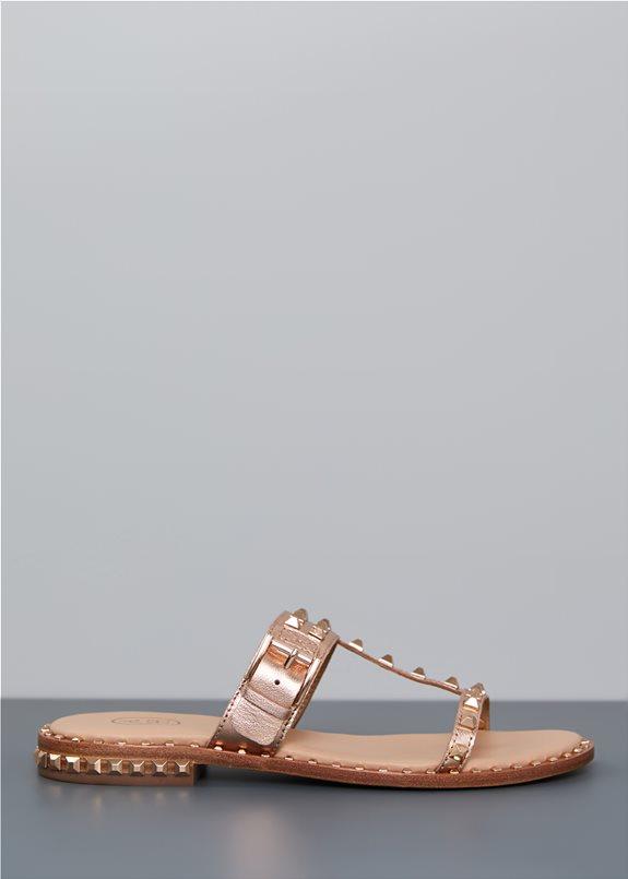 Top 24: Η βαλίτσα των διακοπών χρειάζεται αυτά τα κομμάτια