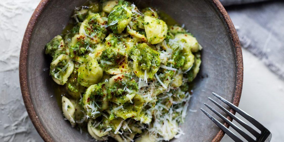 Η λαχταριστή, κρεμώδης σάλτσα με μπρόκολο που θα απογειώσει τα ζυμαρικά σας Δοκιμάστε αυτή τη vegeterian συνταγή κατά την διάρκεια των διακοπών και θα μας θυμηθείτε...