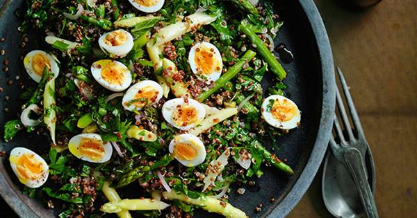 Η super θρεπτική σαλάτα που θα σε βοηθήσει να ξεφουσκώσεις Το ελαφρύ και χορταστικό γεύμα που θα πάρετε σίγουρα μαζί σας στο γραφείο.