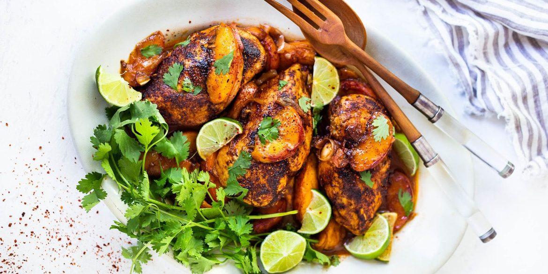 Πεινάς; Αυτό το κοτόπουλο είναι «τρέλα» Το μυστικό δεν κρύβεται στο κοτόπουλο αυτό καθαυτό αλλά στην σάλτσα του, που συνδυάζει μοναδικά την οξύτητα των εσπεριδοειδών με τα spicy μπαχαρικά. Ακόμα να σου ανοίξει η όρεξη;