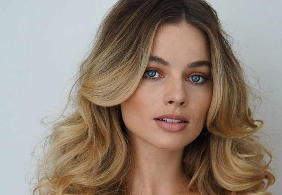 8 beauty μαθήματα από την make up artist της Margot Robbie Ακολουθώντας τα tips της κάθε σου look θα μοιάζει με αυτά της αγαπημένης μας ηθοποιού.