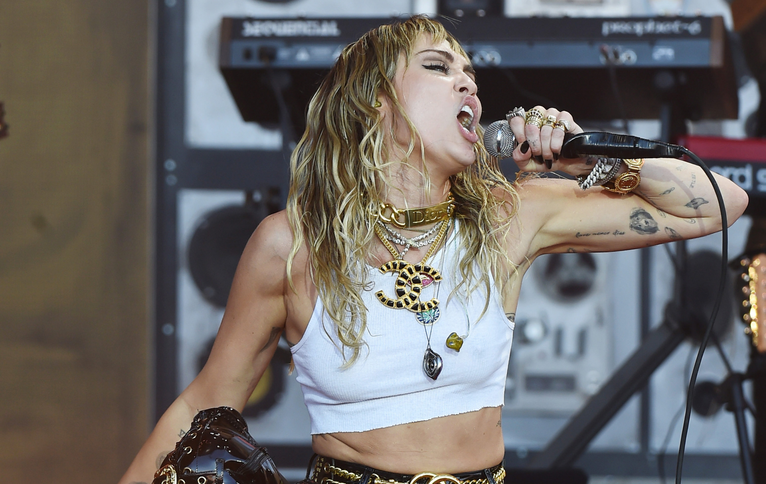 H Miley Cyrus ζευγάρι με τον πρώην της Gigi Hadid;