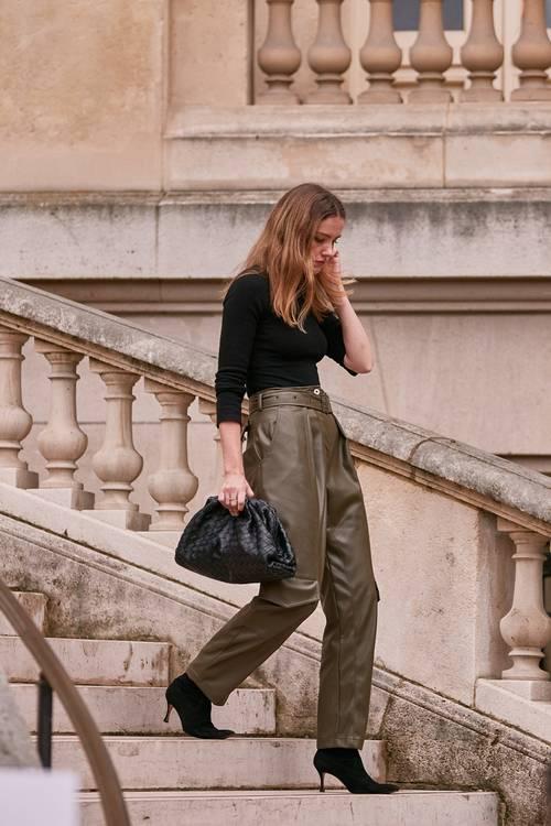 10 hot συνδυασμοί με δερμάτινο παντελόνι ELLE