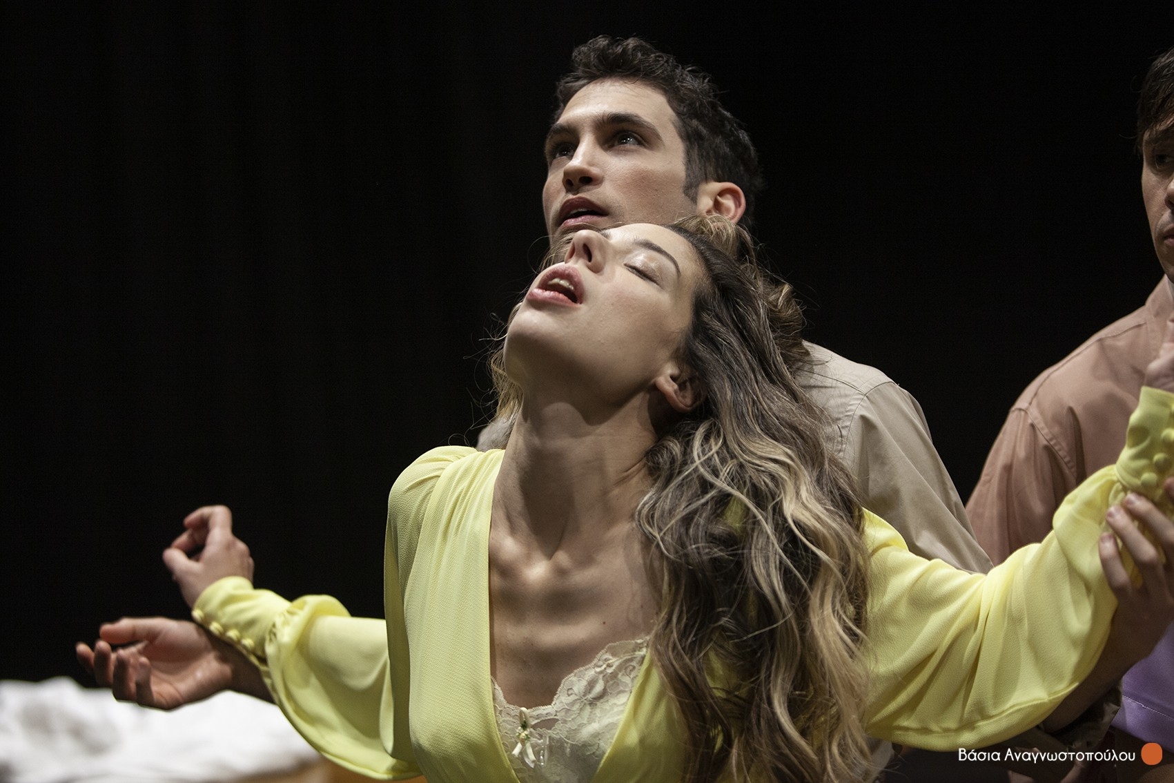 Τα πιο ωραία ελληνικά ερωτικά ποιήματα «ανεβαίνουν» στην σκηνή