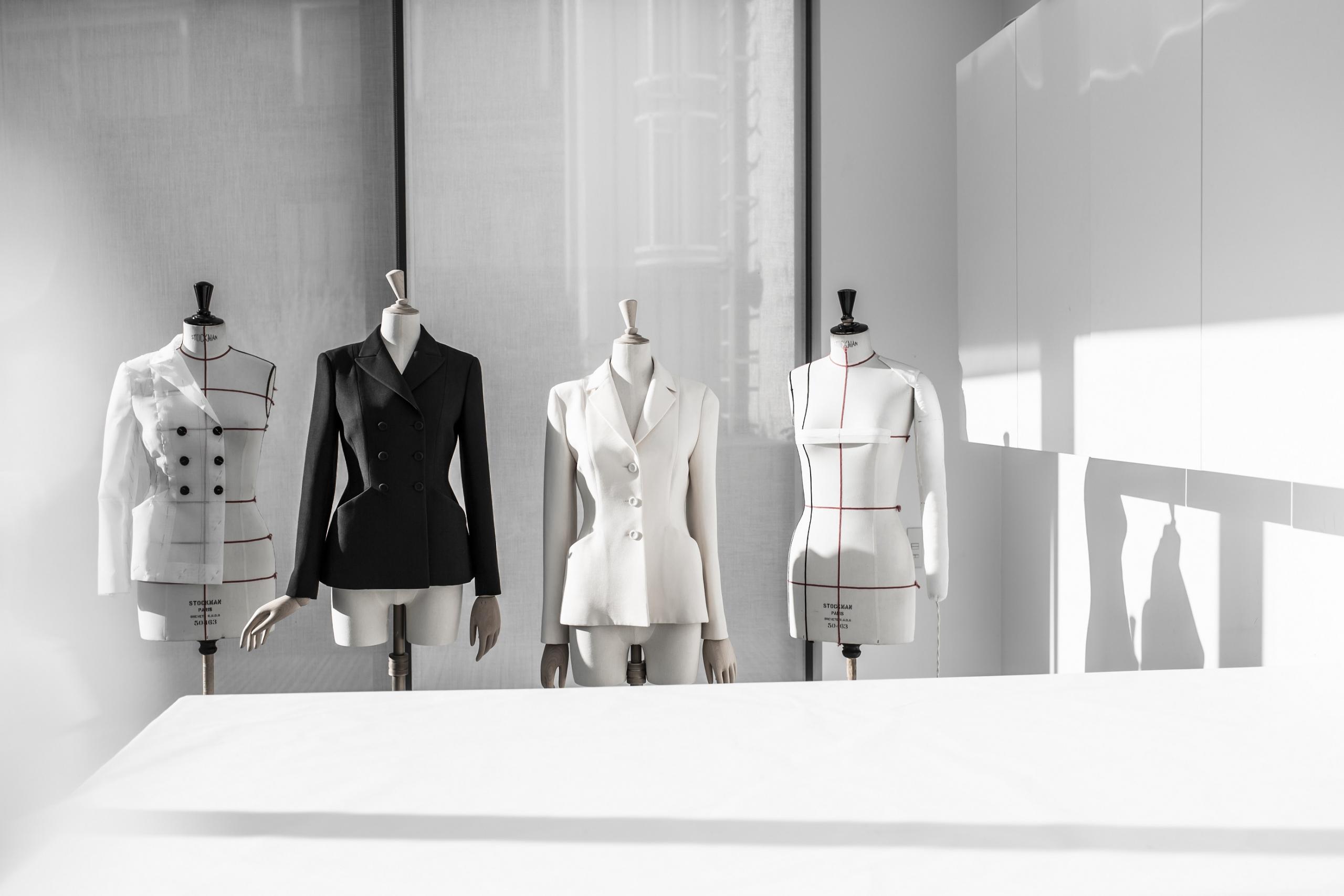 Το διαχρονικό Bar Jacket του Dior γίνεται 73!