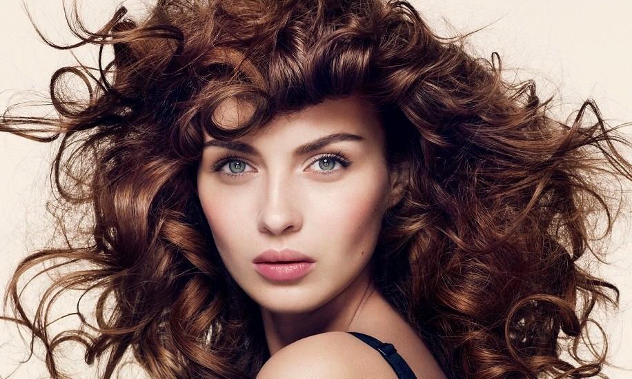 Η ανώδυνη θεραπεία για υγιή και πλούσια μαλλιά το καλοκαίρι Πώς το ήπιο λέιζερ μπορεί να βοηθήσει το αδύναμο τριχωτό όλες τις εποχές του χρόνου.