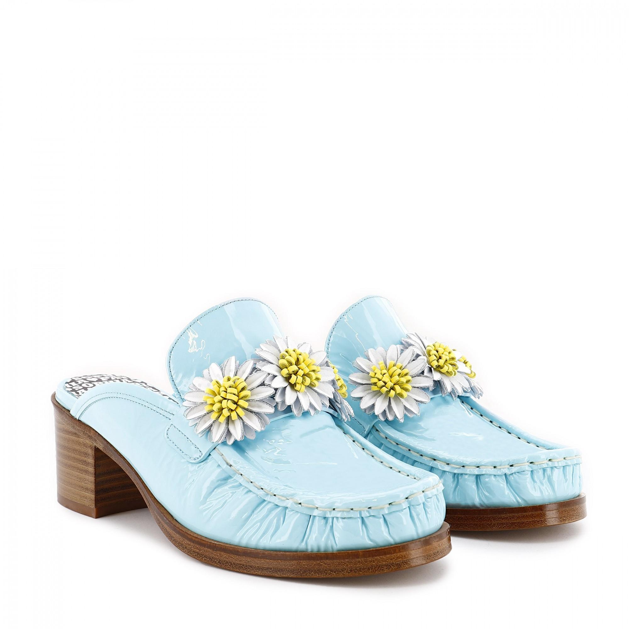 Daisy Trend: Η γκαρνταρόμπα μας γεμίζει μαργαρίτες