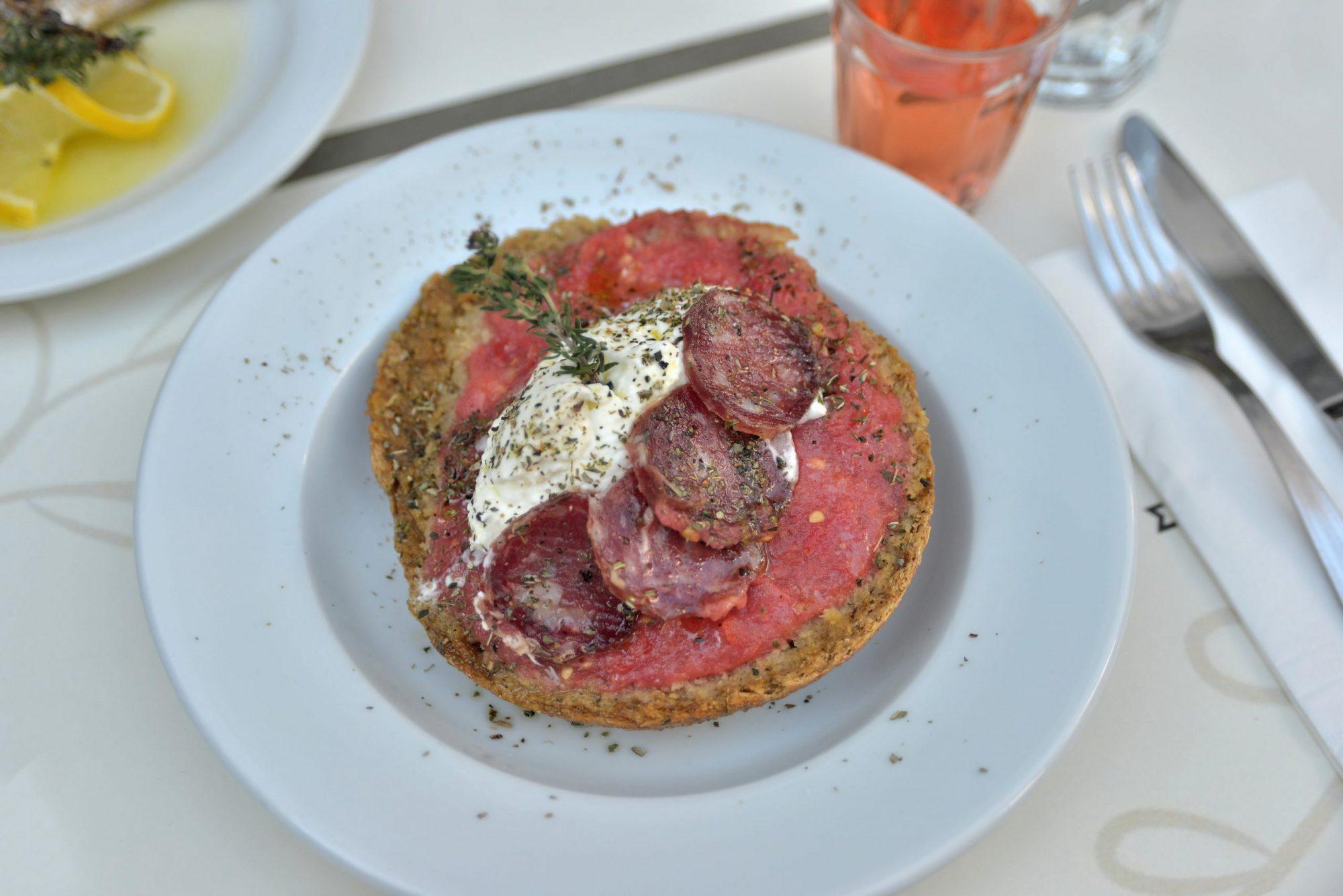 Δοκιμάσαμε αυθεντικά ελληνικές γεύσεις στο κέντρο της πόλης