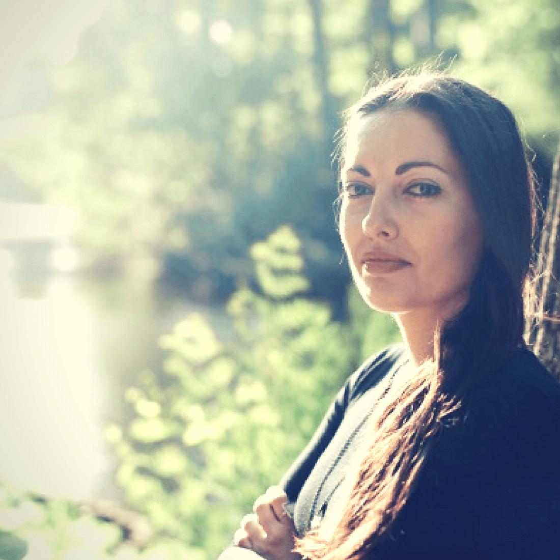 Η ψυχολόγος και συγγραφέας Δήμητρα Διδαγγέλου μίλησε στο ELLE και μας κάλεσε να εστιάσουμε στο καλό