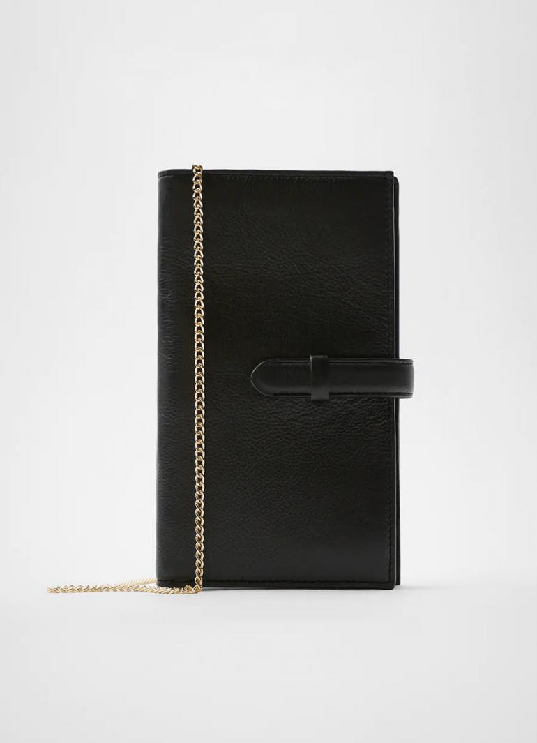 17 black & white κομμάτια Zara για να ζήσεις το πιο minimal (και στιλάτο) καλοκαίρι της ζωής σου