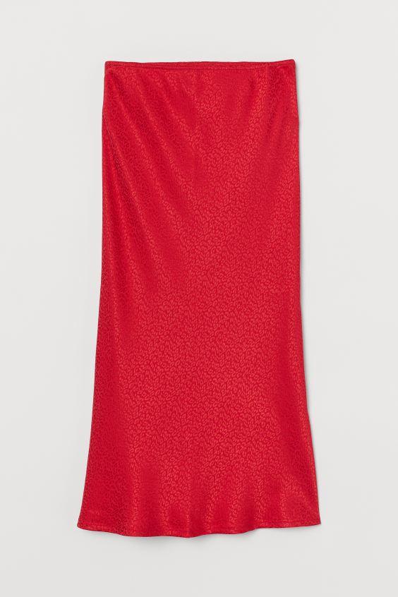 Κόκκινη φούστα, Η&Μ.