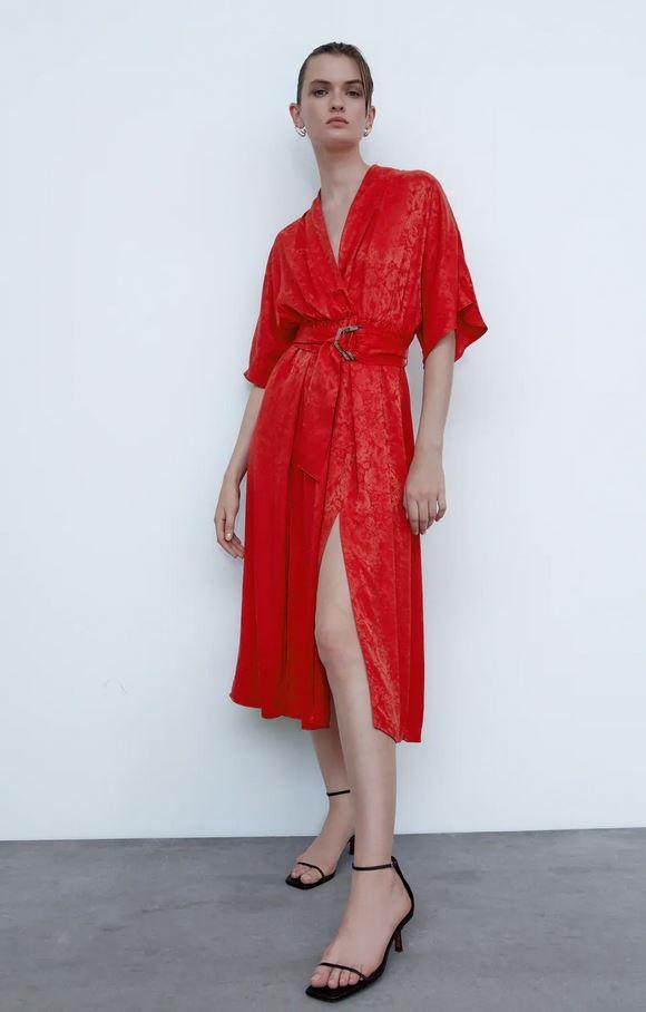 Κόκκινο φόρεμα, Zara.