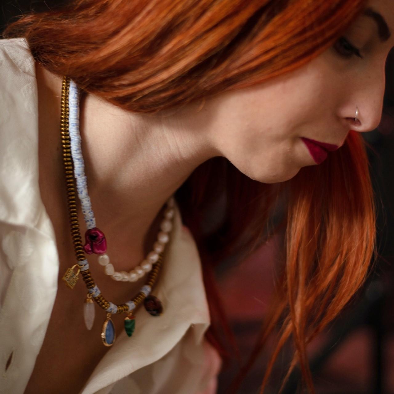 Τα κοσμήματα της Σόφης Μουκίδου υπόσχονται να κάνουν αυτά τα Χριστούγεννα μοναδικά