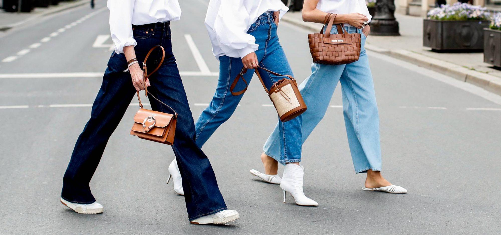 Τα mom jeans είναι μονόδρομος! 7 φανταστικά σχέδια, ένα για κάθε μέρα της εβδομάδας Τα 90s πήραν τηλέφωνο και ζητάνε επίμονα να τους δώσουμε πίσω τα denim παντελόνια τους. Εμείς όμως τα mom jeans δεν υπάρχει περίπτωση να τα αποχωριστούμε. Δεν τα δίνουμε, τέλος!