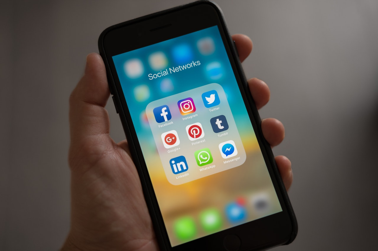 A bit Of Greece: To digital agency που αναλαμβάνει την διαχείριση των Social Media της εταιρίας Medisei Η A bit Of Greece αναλαμβάνει την δημιουργία περιεχομένου, την διαχείριση της digital εικόνας και την on line διαφήμιση για τα καλλυντικά και παραφαρμακευτικά προϊόντα της Medisei.