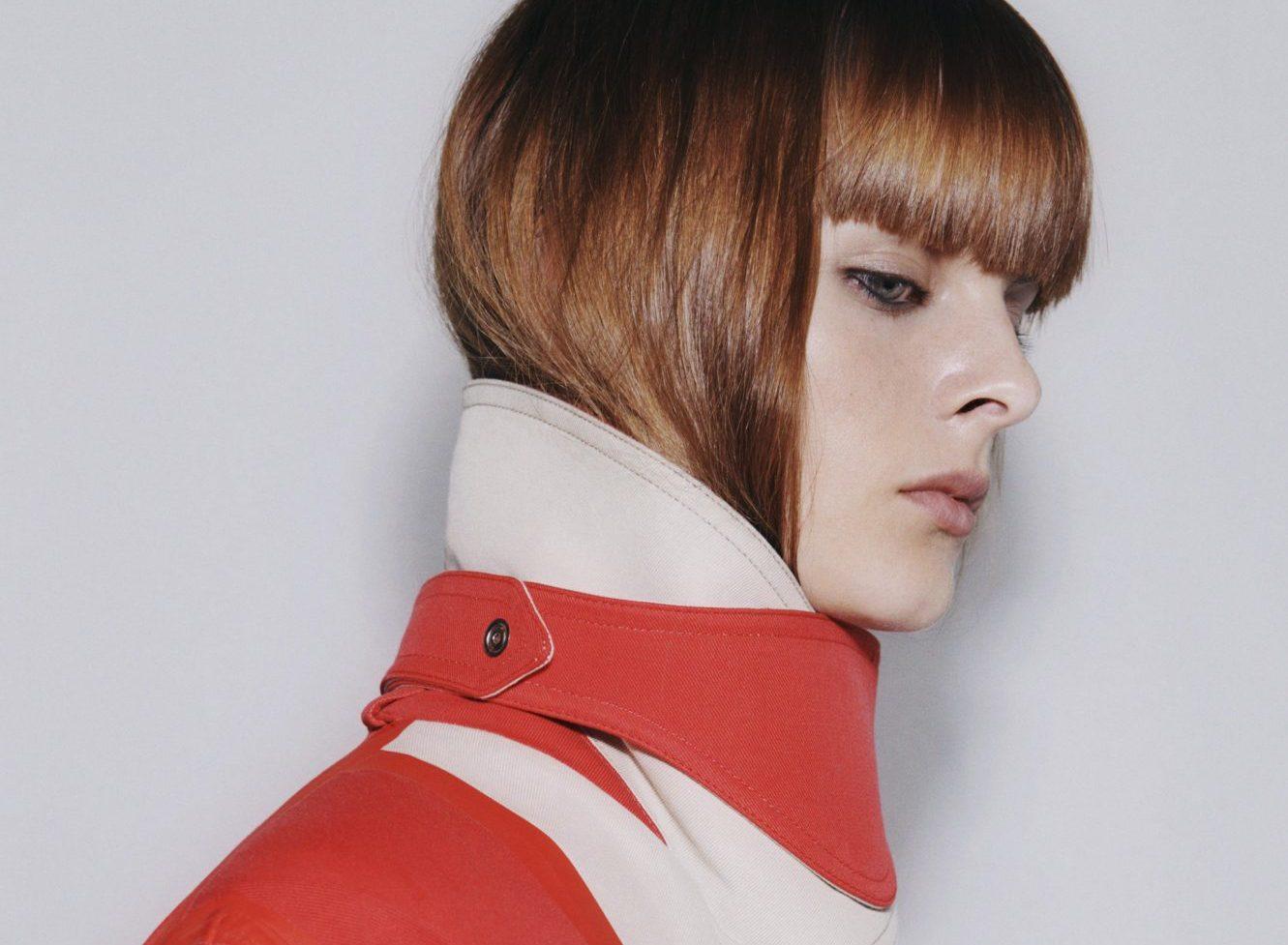 Με 3 κινήσεις μπορείς να αντιγράψεις το hair look που είδαμε στο LFW show της Victoria Beckham