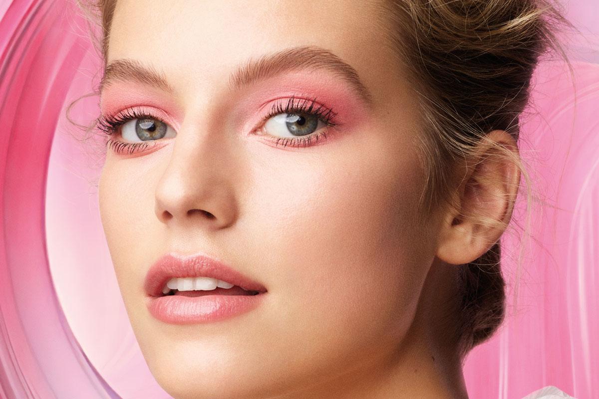 Δοκιμάσαμε το make up hack του TikTok για κουκουλωτά μάτια και δουλεύει | ενότητες, γυναίκα