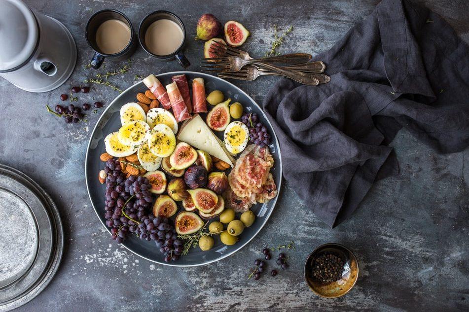 Αυτό το υγιεινό πρωινό γεύμα υπόσχεται ενέργεια στο μάξιμουμ Η personal trainer Δήμητρα Μάρκου μας δείχνει πως να φτιάξουμε ένα απλό, εύκολο και παράλληλα υγιεινό πρωινό που  θα μας δώσει όλα τα θρεπτικά συστατικά και την πολύτιμη ενέργεια να ξεκινήσουμε δυναμικά την εβδομάδα μας!