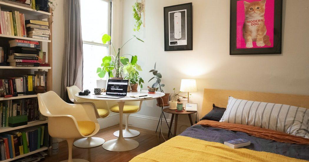 12+1 home office ideas που θα σε εμπνεύσουν σίγουρα Με τηνεπέλαση της πανδημίας πολλοί από εμάς αναγκαζόμαστε να δουλεύουμε από το σπίτι. Δες 13 ιδέες για το πωςνα διακοσμήσεις ή να φτιάξεις τον δικό σου χώρο home office για να σου προσφέρει ένα ήρεμο και εχάριστο κλίμα εργασίας.