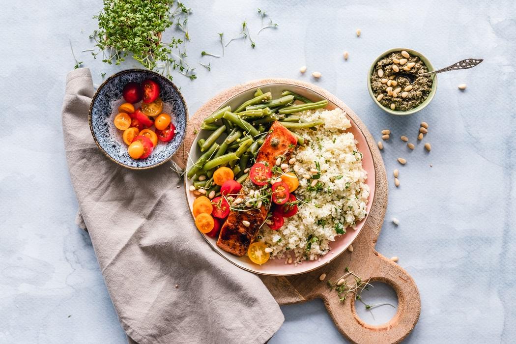 Παγκόσμια Ημέρα Αποχής από το Κρέας: Η διατροφολόγος Σοφία Κόντη απαντά σε όλες μας τις απορίες (& ένα ενδεικτικό vegan menu)