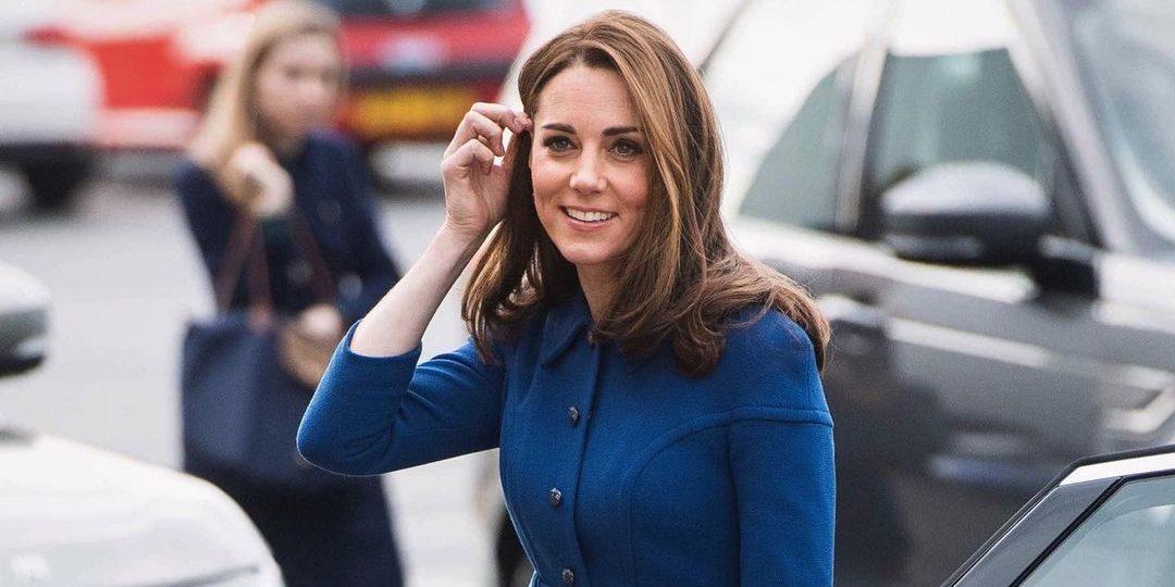 Ξέρουμε που θα βρεις το ροζ denim παντελόνι της Kate Middleton #budgetfriendly Η Kate Middleton έχει καταφέρει να αποτελέσει πρότυπο στυλ για πολλές γυναίκες. Αν και εσύ θες να αντιγράψεις το look της μπορείς να το κάνεις ακόμα και με budget friendly επιλογές.