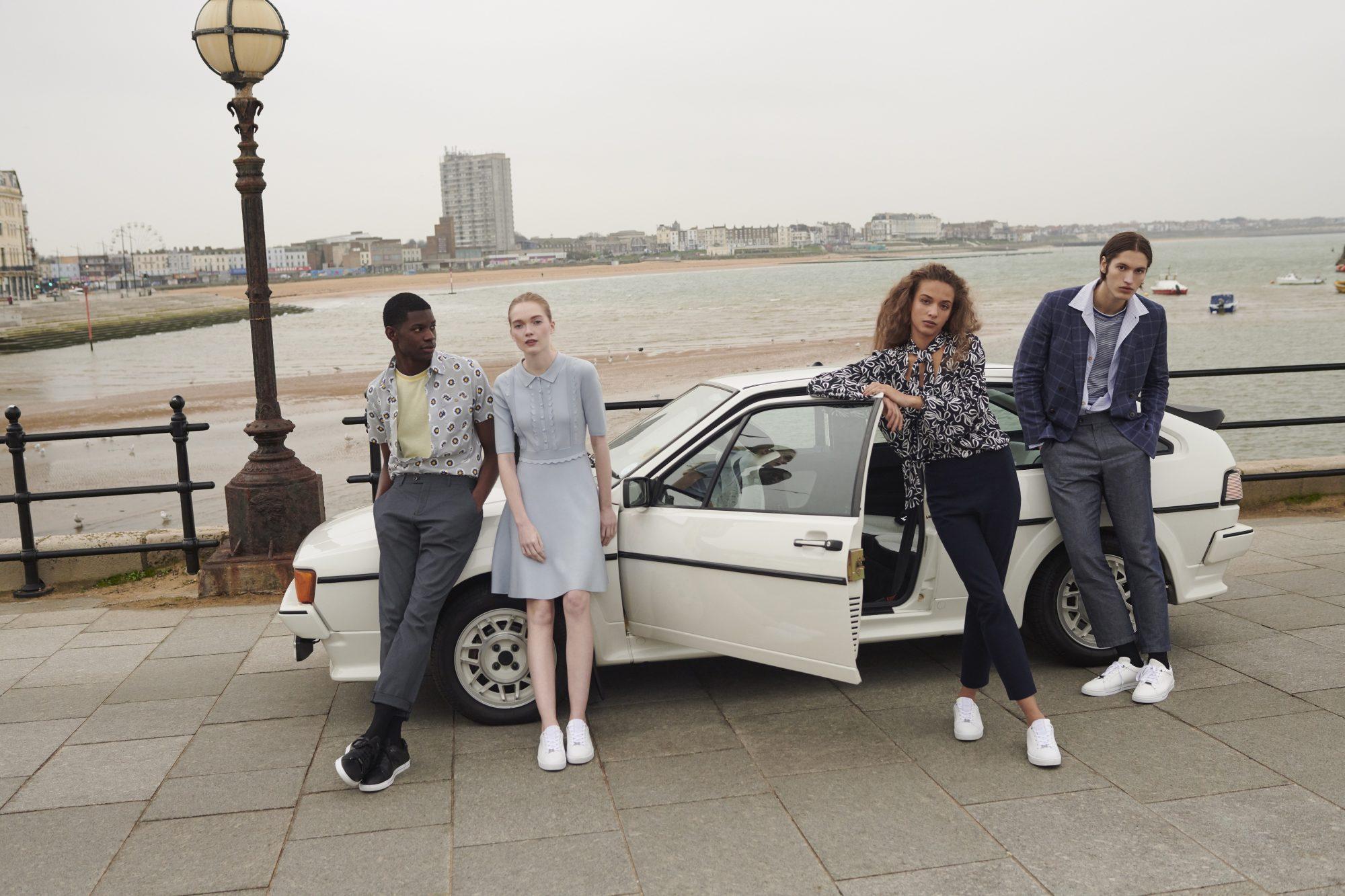 Αυτά τα ανοιξιάτικα κομμάτια θα ανεβάσουν τις εμφανίσεις σου σε άλλο επίπεδο Για την σεζόν Άνοιξη/Καλοκαίρι 2021, η Ted Baker παρουσιάζει τη συλλογή «No Place Like Home», η οποία είναι αφιερωμένη στη Βρετανική κουλτούρα του brand.