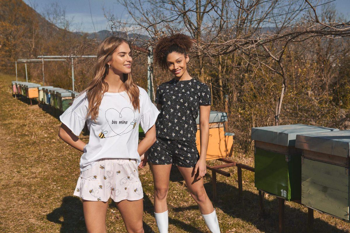 "TEZENIS X 3Bee: Μαζί για τις μέλισσες ""Επικονιάστε τον Πλανήτη"", είναι το σλόγκαν της πρόσφατης συνεργασίας μεταξύ Tezenis και 3Bee."