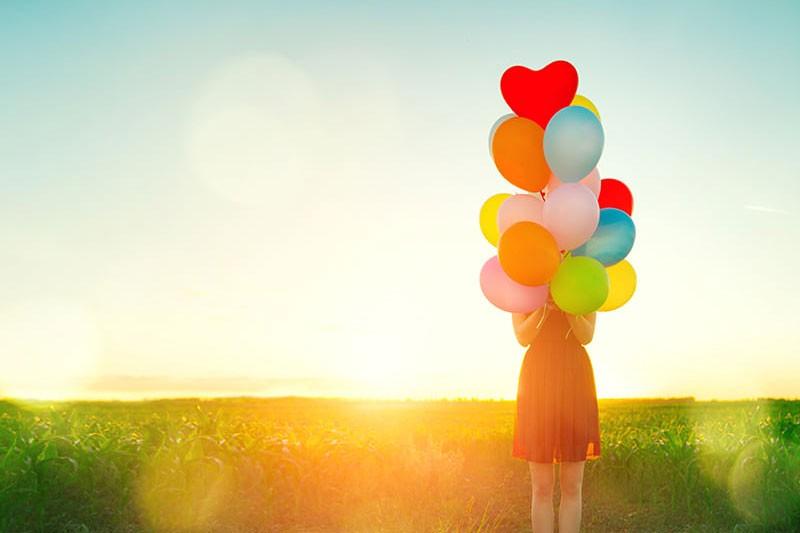 Ζήσε το όνειρό σου! Βάδισε το μονοπάτι του «ονειρευτή» του Dream Coaching και υλοποίησε  τους στόχους σου «Τα όνειρα δεν είναι ουτοπία, τα όνειρα είναι ο δρόμος σύνδεσης με την καρδιά μας, δηλαδή με την ευτυχία μας. Ελάτε να βαδίσουμε μαζί το μονοπάτι, που θα  ενεργοποιήσει τη ζωή σας και θα σας συνδέσει με τα όνειρα σας και την πραγματοποίησή τους.»  Βίβιαν Σταμπέλου, 4D Dream Coach