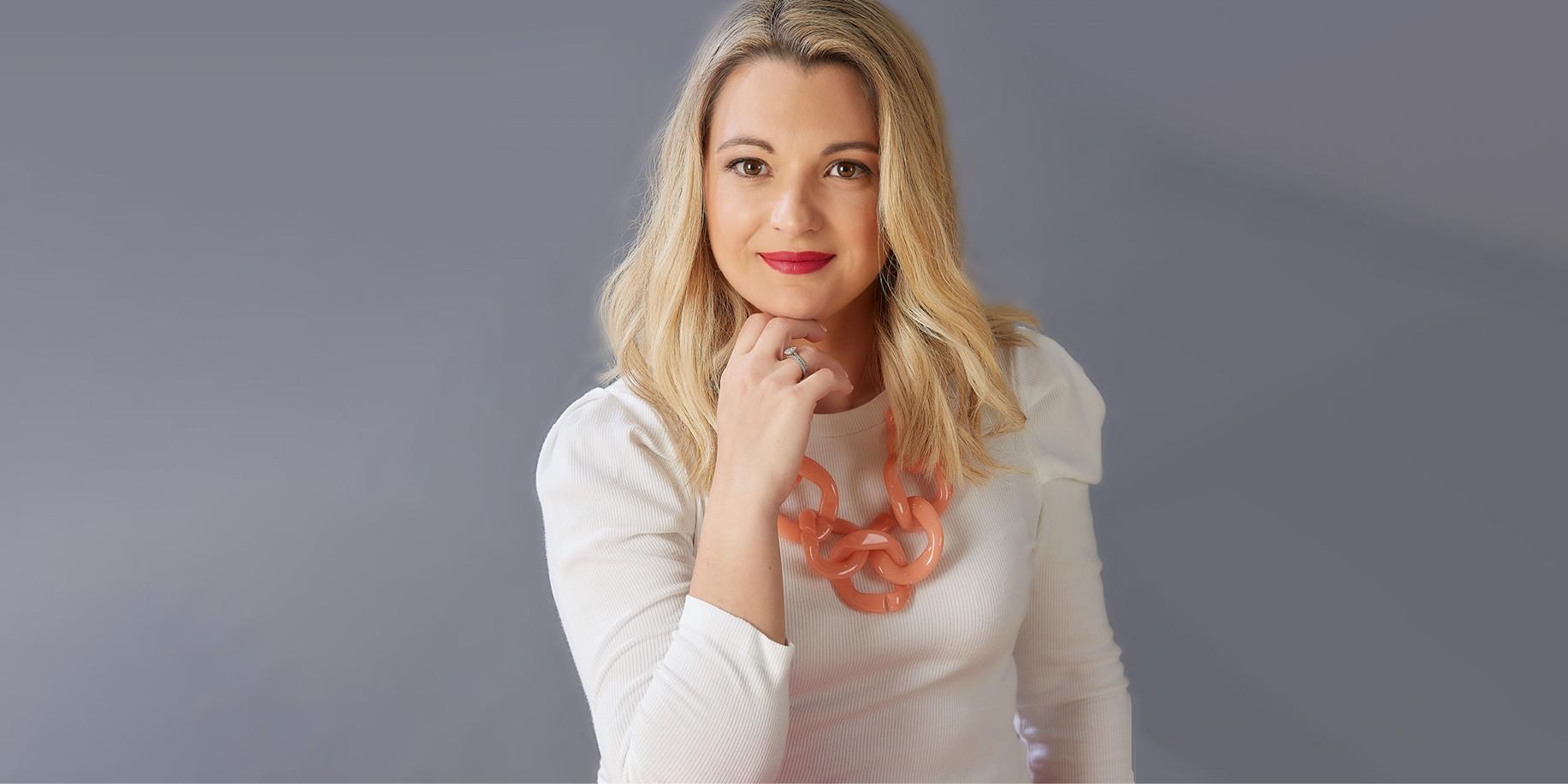 «Ο κόσμος χρειάζεται την Επιστήμη και η Επιστήμη χρειάζεται τις Γυναίκες»: Η Αλεξία Μπρη, Διευθύντρια Εταιρικής Επικοινωνίας στην L'Oréal Hellas μιλάει στο ELLE Η Αλεξία Μπρη, Διευθύντρια Εταιρικής Επικοινωνίας στην L'Oréal Hellas, μιλάει στο ELLE για τα πρωτοπόρα βήματα της εταιρείας σε ό,τι έχει να κάνει με την ισότητα των δύο φύλων αλλά και για την δέσμευσή της για συνεχή προσπάθεια πρόοδου σε κοινωνικό και περιβαλλοντικό επίπεδο.
