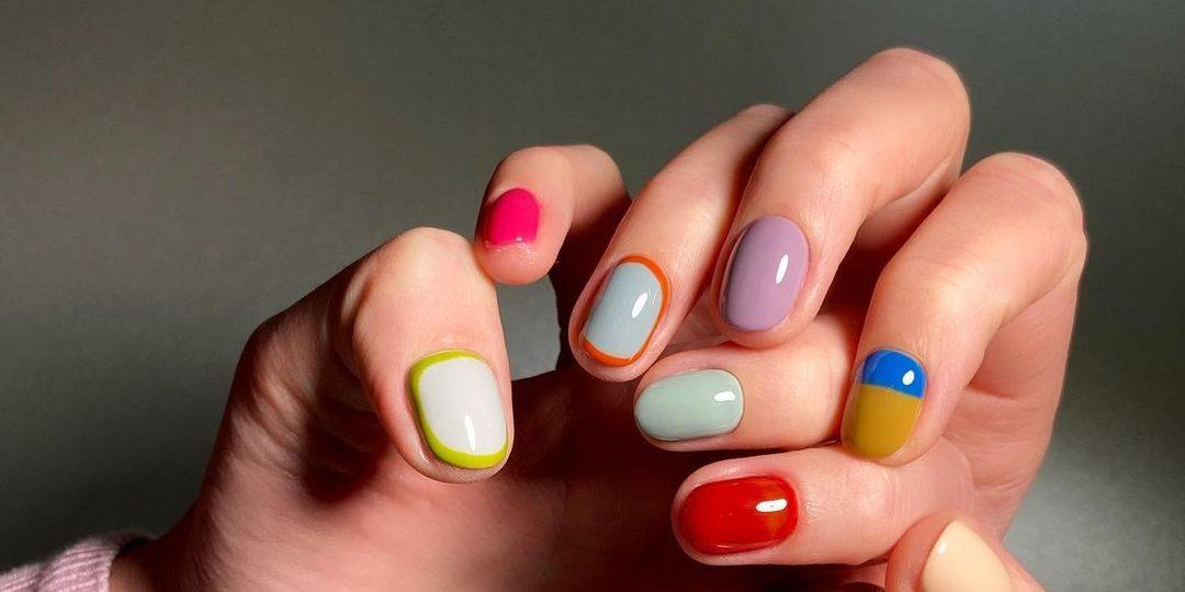 Pop Art Nails: Εμείς θα τα τολμήσουμε! Χρώμα και φαντασία γίνονται ένα προκειμένου να δημιουργήσουμε το πιο pop art μανικιούρ.