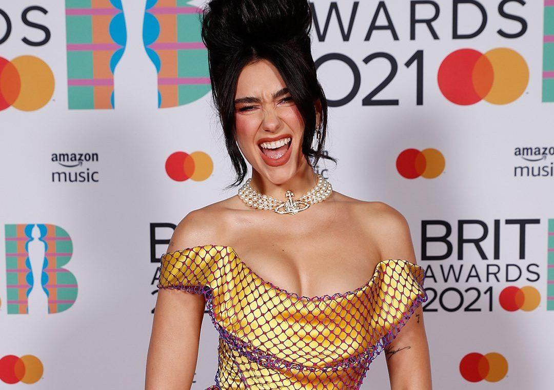 Brit Awards 2021: Οι καλύτερες στιγμές στο κόκκινο χαλί Συγκεντρώσαμε παρακάτω τις εμφανίσεις που εμείς ξεχωρίσαμε στα Brit Awards 2021.