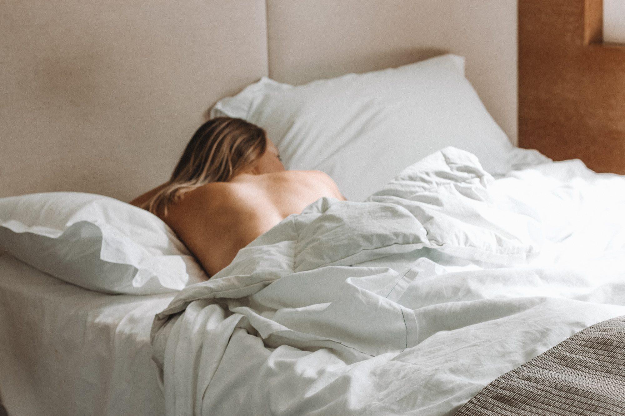 Γιατί νιώθεις κουρασμένη τόσο συχνά; Η αίσθηση ότι έχουμε ξεμείνει από καύσιμα είναι αρκετά συχνή και οι λόγοι είναι περισσότεροι από όσοι μπορείς να φανταστείς. Η ειδικός παθολόγος Αναστασία Μαργούτα αναλύει όλους τους πιθανούς λόγους που σε κάνουν να νιώθεις συνεχώς κουρασμένη.